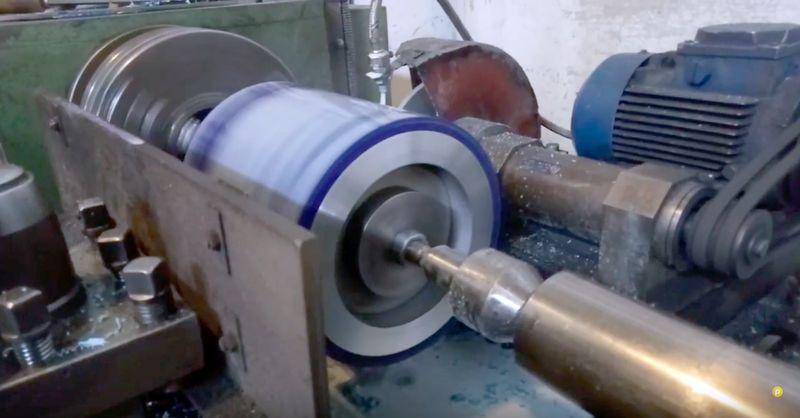 Шлифовка валов полиуретаном - Видео 4